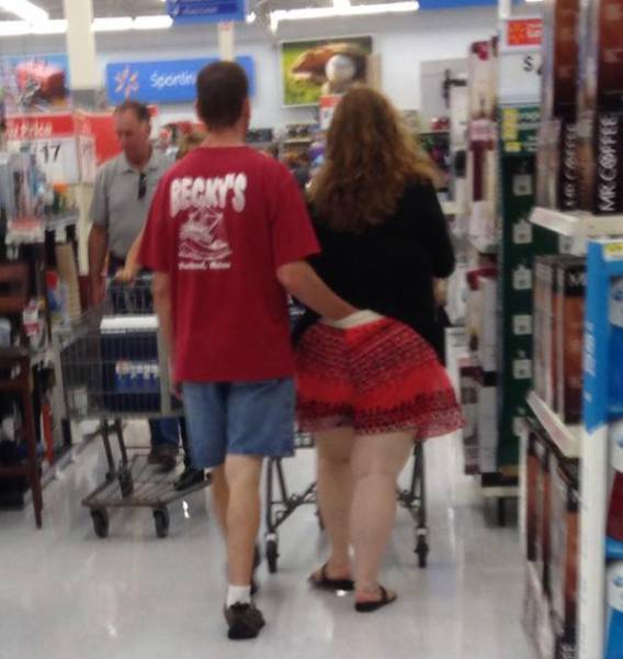 you_can_always_trust_walmart_to_bring_out_the_classier_side_of_people_640_26