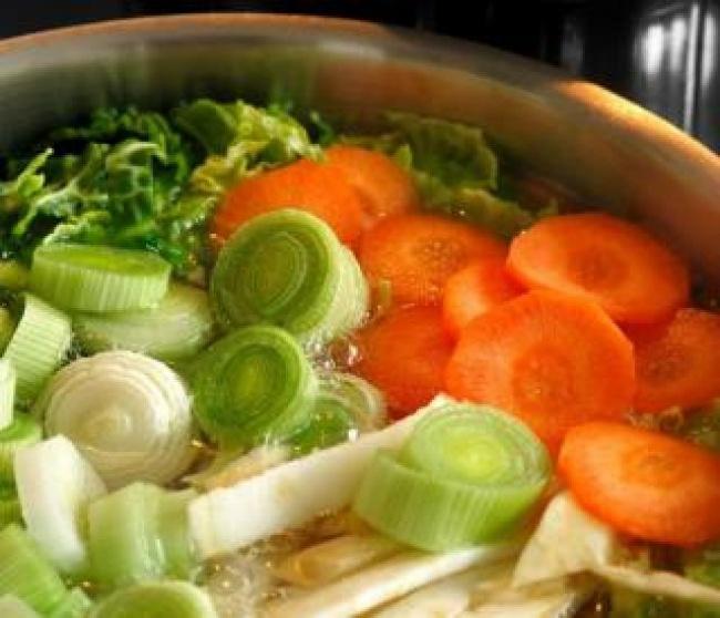 117305-R3L8T8D-650-vegetables