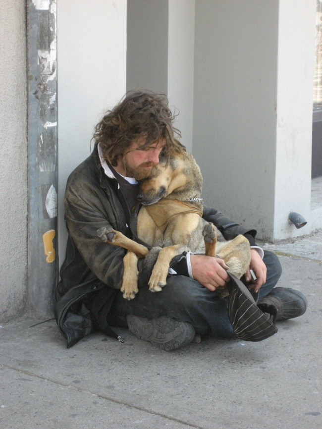 160305-R3L8T8D-650-homeless-dogs-and-owners-1