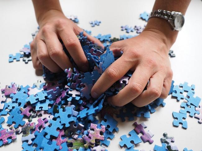 240055-R3L8T8D-650-pieces-of-the-puzzle-592798_1280