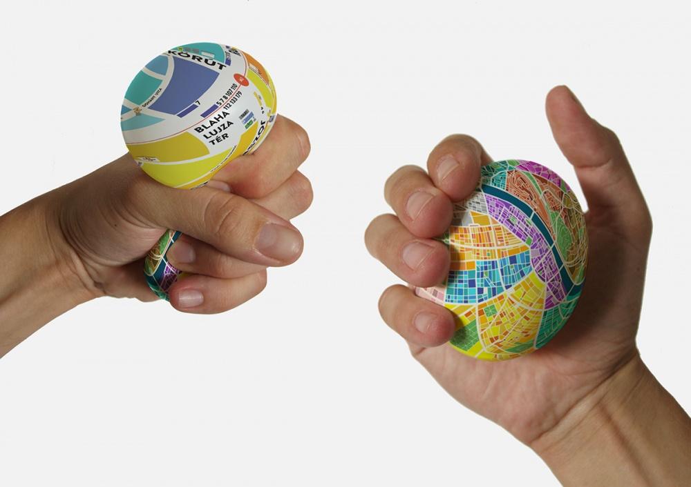 596905-R3L8T8D-1000-egg-ball-map
