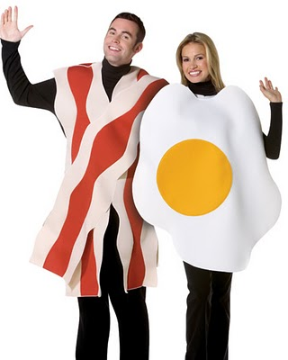 Bacon_and_egg_funny_couple_costume