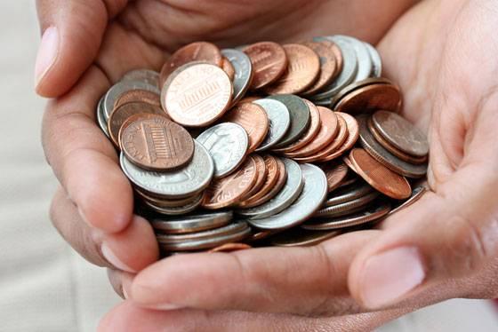 Olor-de-monedas-en-las-manos