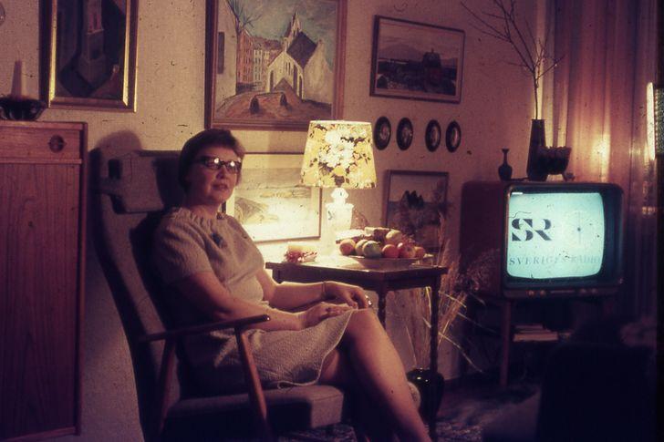 abuela-viendo-novela