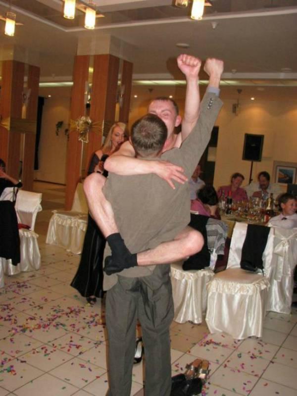 awkward-wedding-pictures15