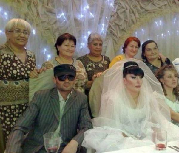 awkward-wedding-pictures16