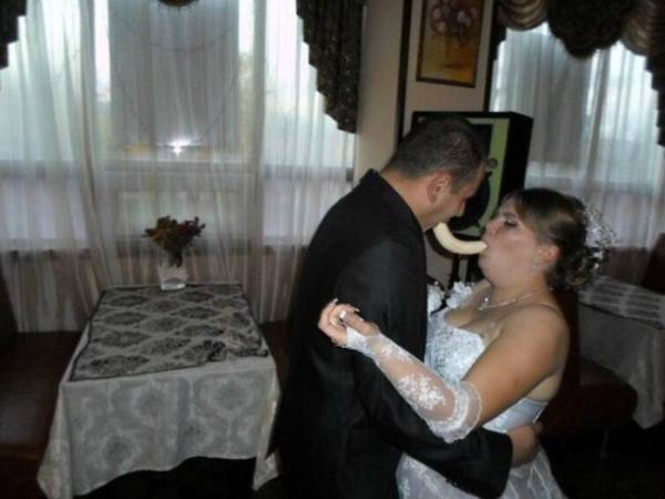 awkward-wedding-pictures21