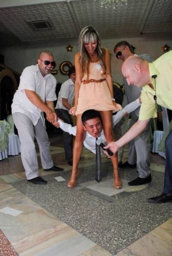 awkward-wedding-pictures24