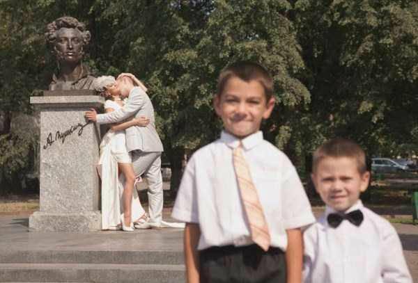 awkward-wedding-pictures26