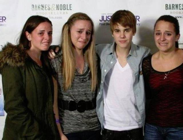 crazy_fans_get_up_close_and_personal_with_their_biggest_idols_640_03