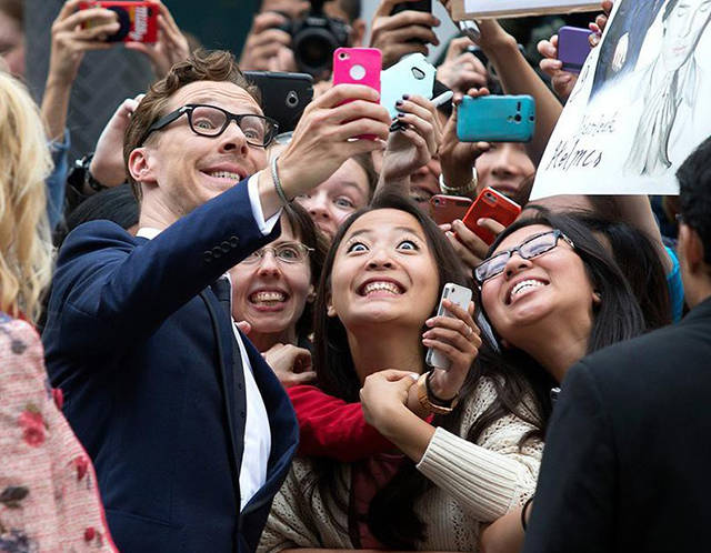 crazy_fans_get_up_close_and_personal_with_their_biggest_idols_640_16