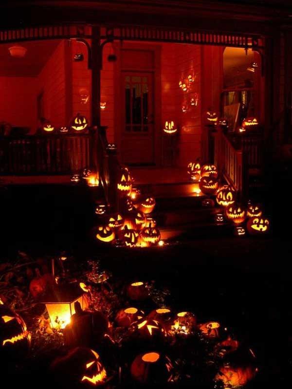 17 personas que llevaron sus decoraciones de halloween a for Decoracion halloween para casa