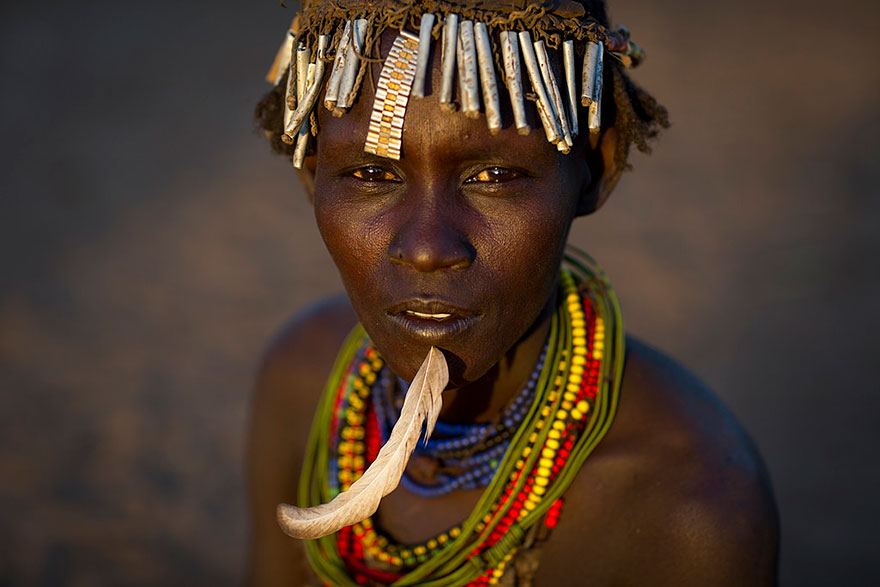 recycled-headwear-trash-jewelry-omo-valley-tribes-ethiopia-eric-lafforgue-4