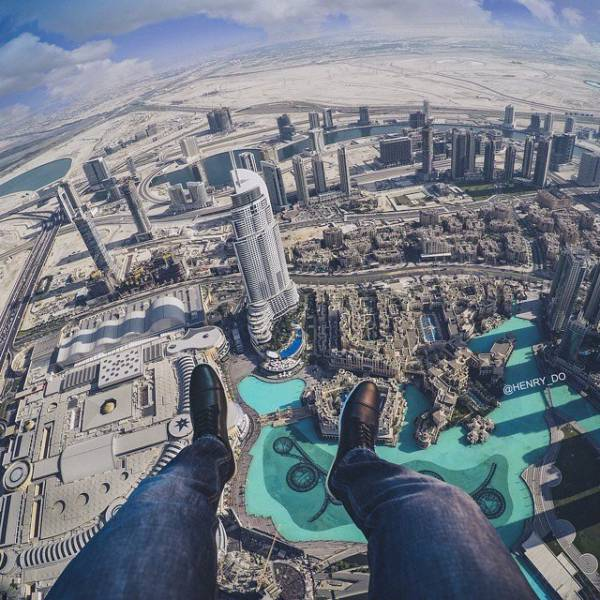 these_extreme_selfies_are_a_little_insane_640_07