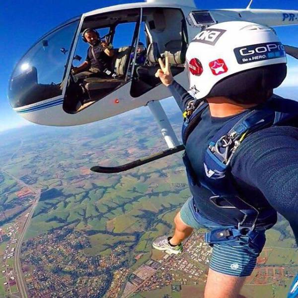 these_extreme_selfies_are_a_little_insane_640_17