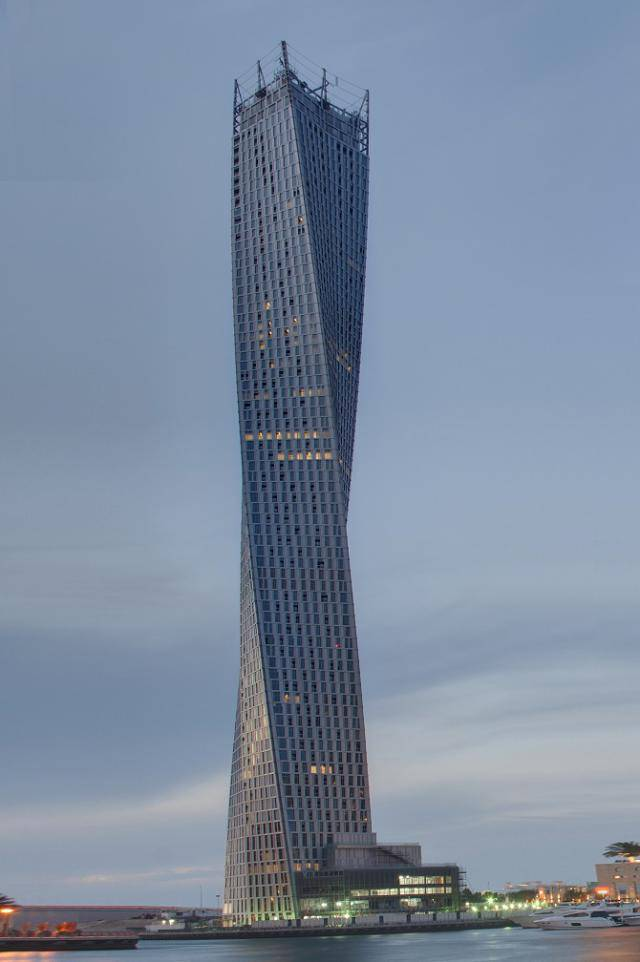 things_that_you_can_expect_to_see_only_in_dubai_640_high_26