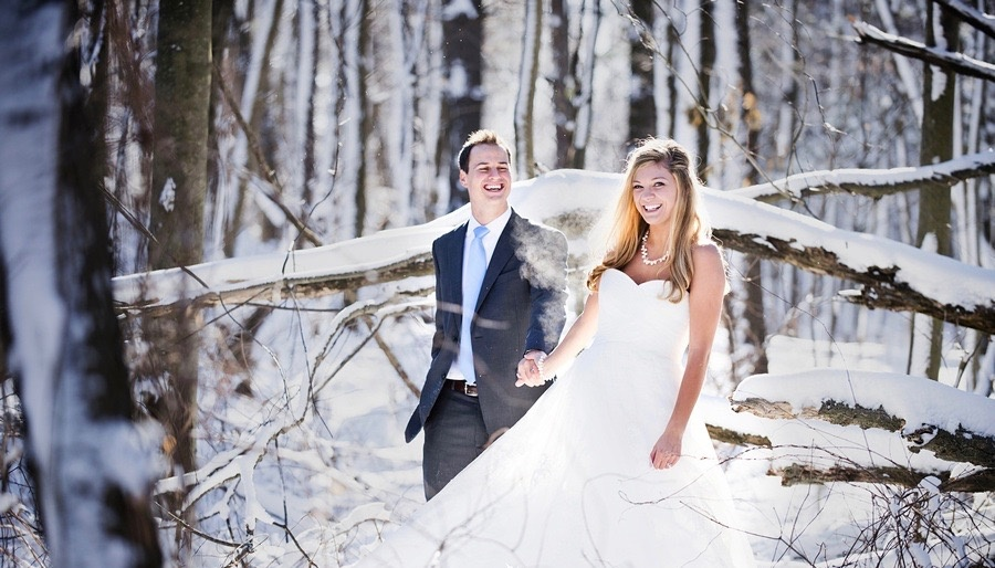 264605-900-1448397062-winter_wedding_red_rock_the_dress_clarkston_forest_snow_cold_photoshoot_photography_marek031