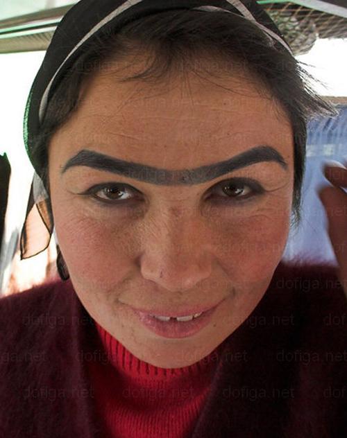Eyebrows-Weird-Bad-Ugly-Anaconda-Unibrow