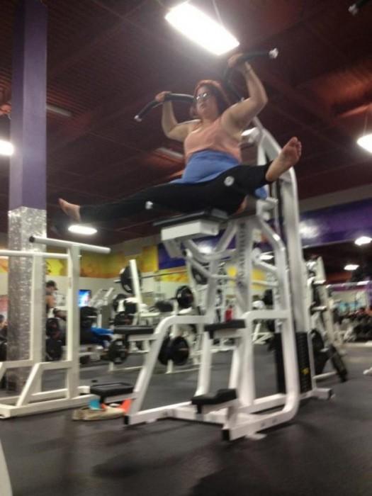 Pensamientos-que-tienes-en-el-gym-3-525x700