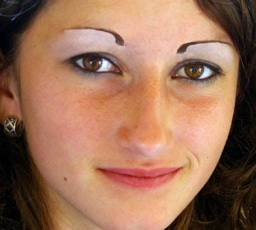commabrows