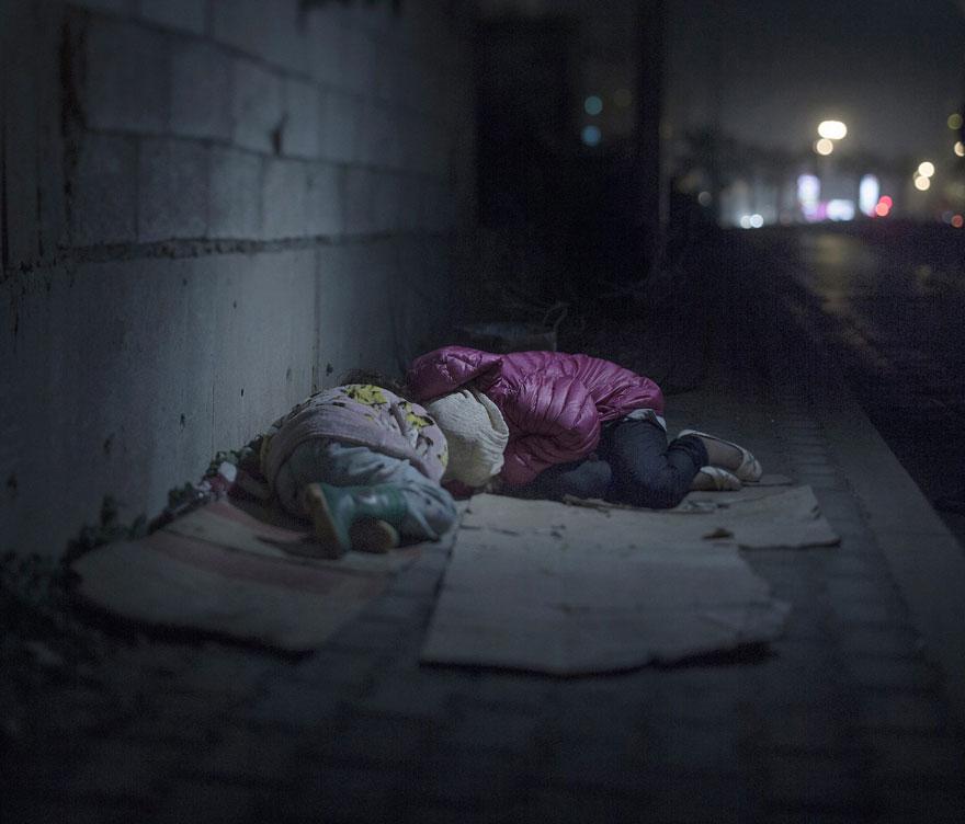 donde-ninos-duermen-fotos-refugiados-sirios-magnus-wennman-10