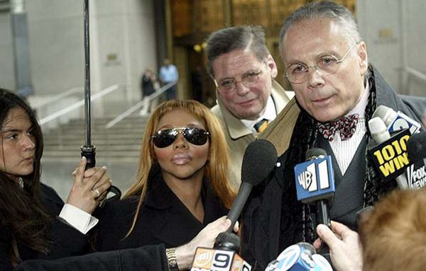 Lil' Kim Surrenders To New York Courts