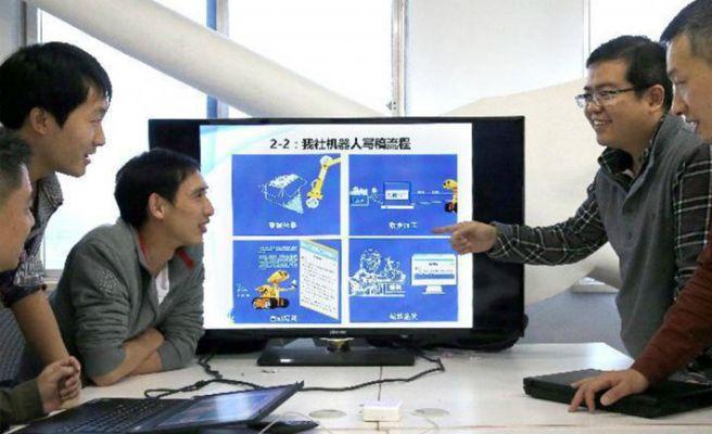 robot-periodista-lista-672xXx80