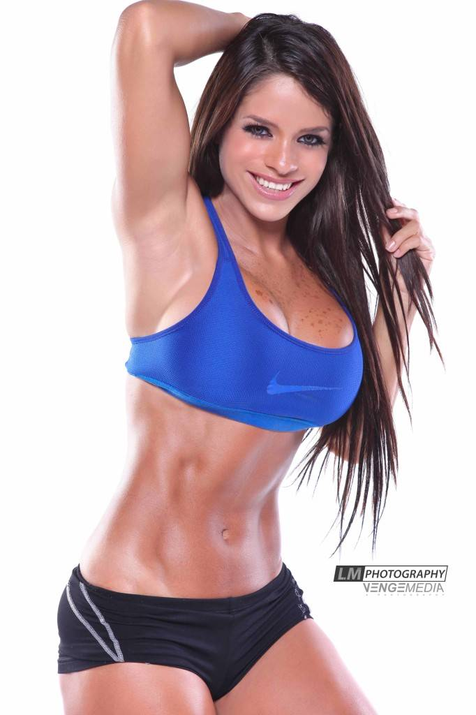 xmichelle-lewin11-682x1024.jpg.pagespeed.ic.A5YZxurRkj