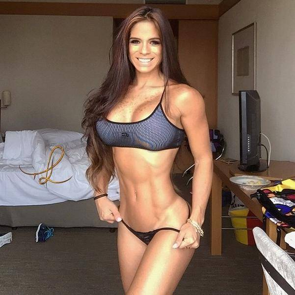 xmichelle-lewin12.jpg.pagespeed.ic.9ArU5gFNA1