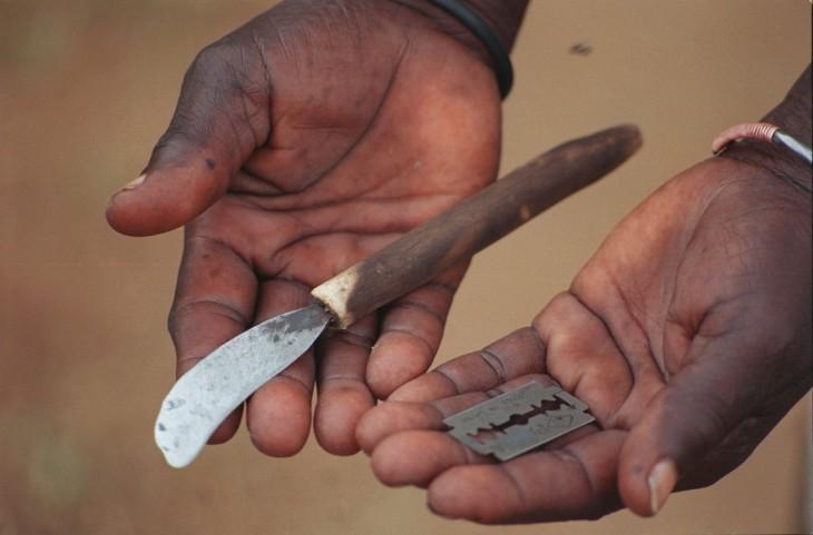 Gambia-prohíbe-la-mutilación-genital-femenina-2-730x481