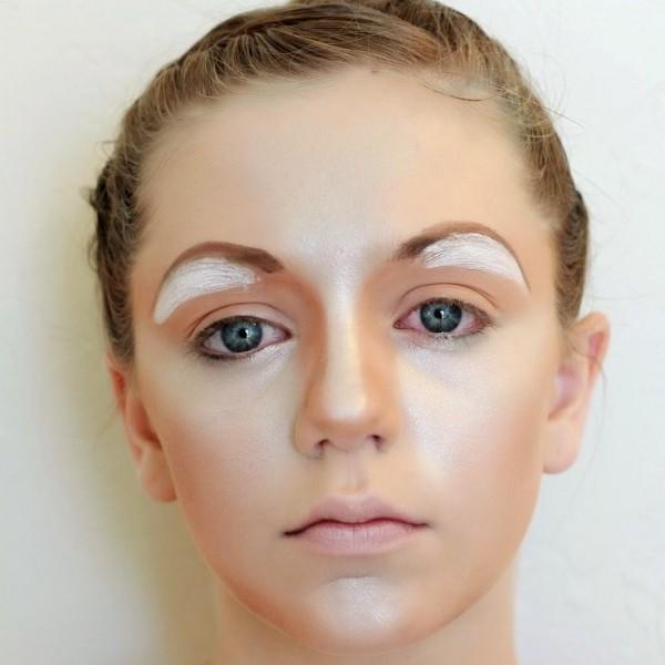 Half-Circle-Eyebrows-600x600