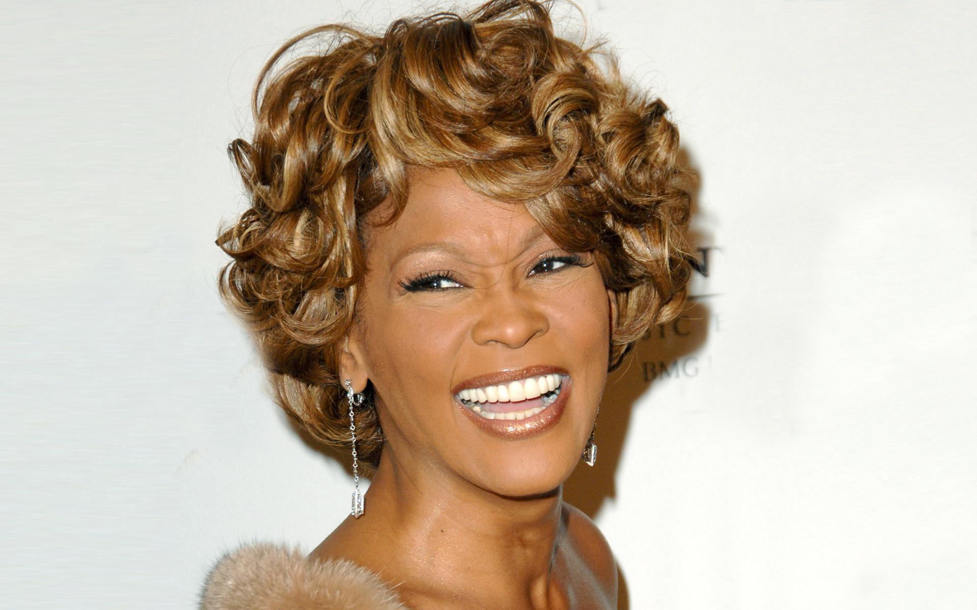 Whitney-Houston-48-a_os581552045