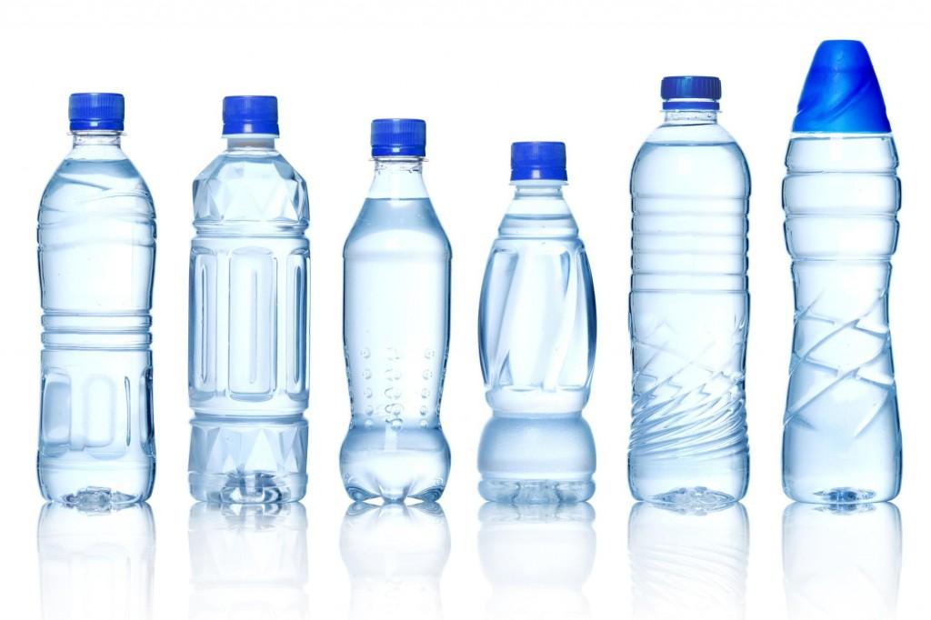 botellascome-realizzare-chiusure-con-bottiglie-di-plastica_1929b7ee0e2367a1fde04ff0cea2a0dc