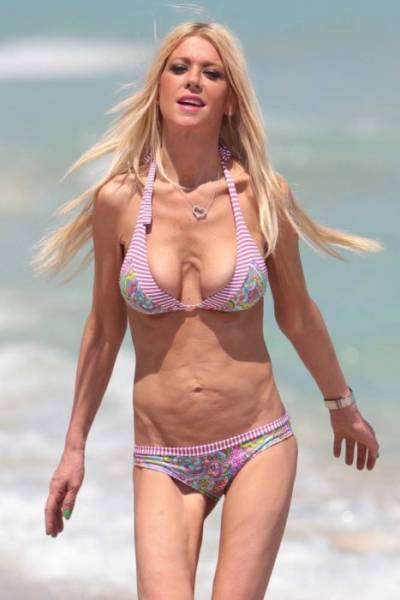 stars_who_were_not_rocking_bikini_bodies_at_all_this_year_640_05