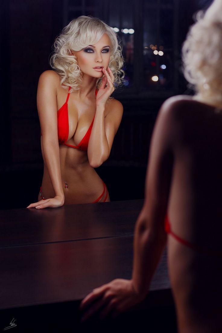 stripper16
