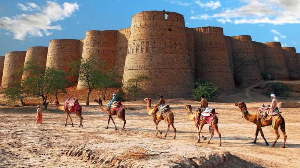 1352355-1000-1456481128-Derawar-Fort-in-Bahawalpur-Pakistan-Samis-Photography