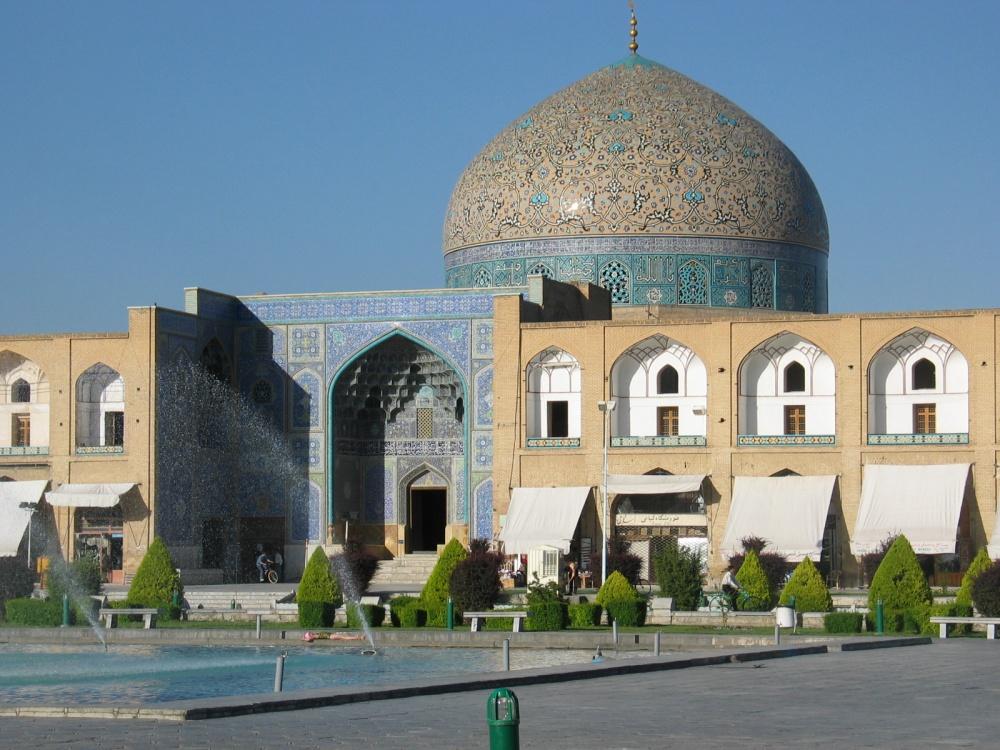 1352755-1000-1456481128-Sheikh_Lotfallah_Esfahan