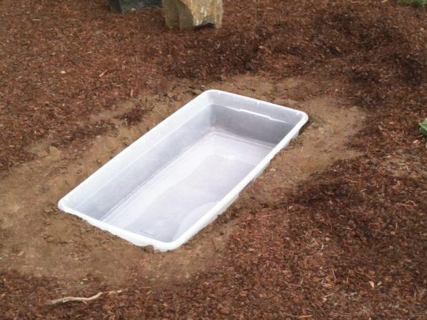 bricolaje-crear-tu-propio-estanque-en-tu-jardin-03