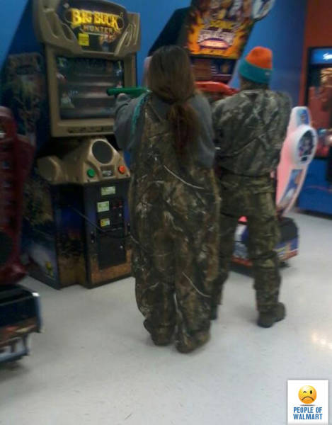 kooky_people_you_can_see_at_walmart_640_02