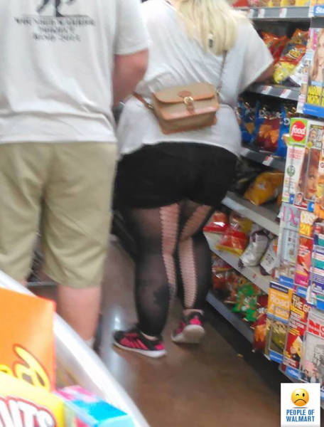 kooky_people_you_can_see_at_walmart_640_05