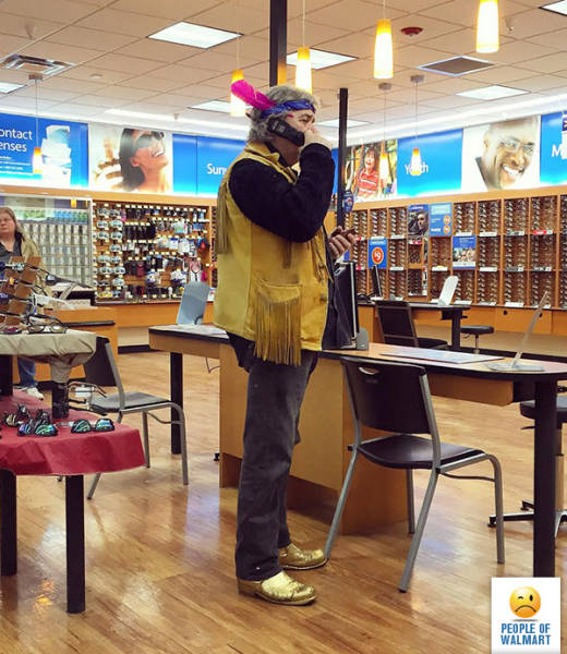 kooky_people_you_can_see_at_walmart_640_11