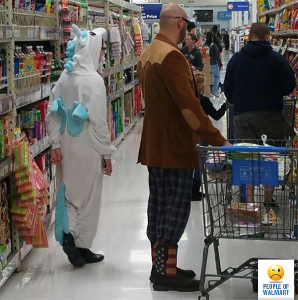 kooky_people_you_can_see_at_walmart_640_14