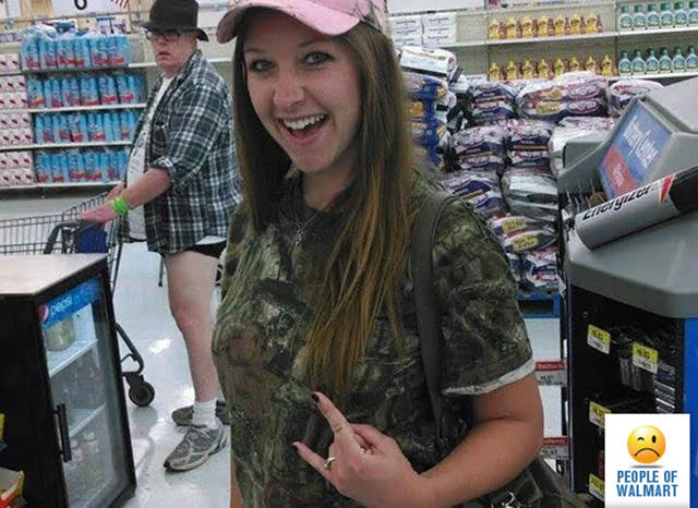 kooky_people_you_can_see_at_walmart_640_18