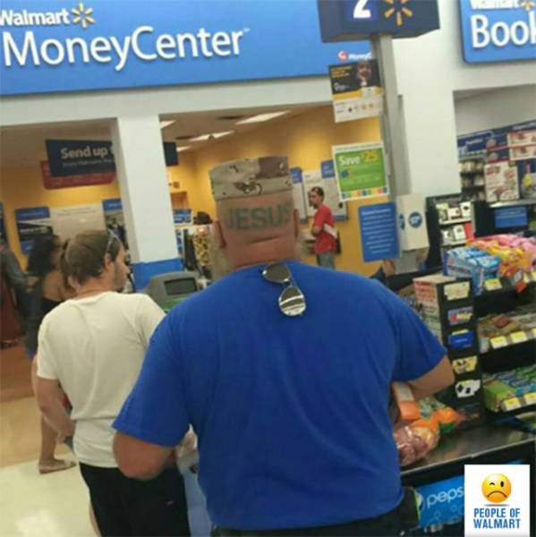 kooky_people_you_can_see_at_walmart_640_27
