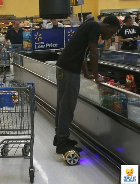 kooky_people_you_can_see_at_walmart_640_29