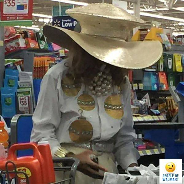 kooky_people_you_can_see_at_walmart_640_38
