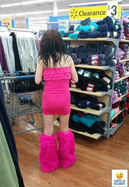 kooky_people_you_can_see_at_walmart_640_40
