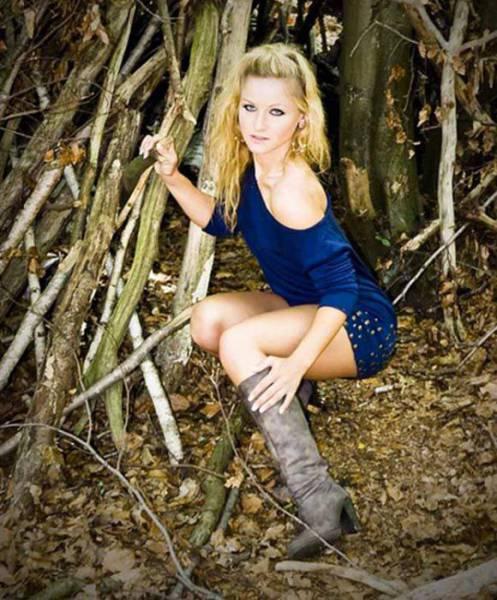 models_that_make_posing_look_really_hard_640_15