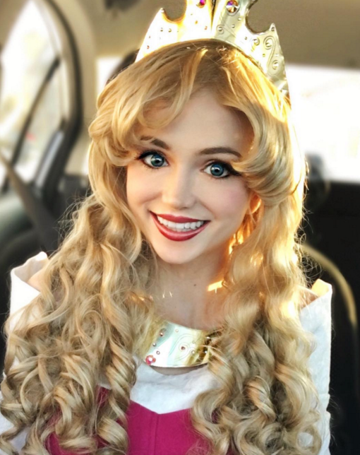 Gasta 10 mil dólares para parecerse a princesas de Disney