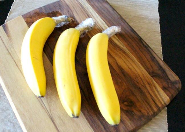 1465905-650-1457153152-25ST-banana_plasticwrap